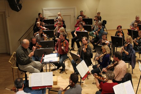 Maestro Neeme Järvi ja ERSO Estonia kontserdisaalis, 21. oktoober 2013.